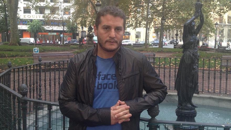 Álvaro Barrios, coordinador general de Ikune, antes de la entrevista en Bilbao.