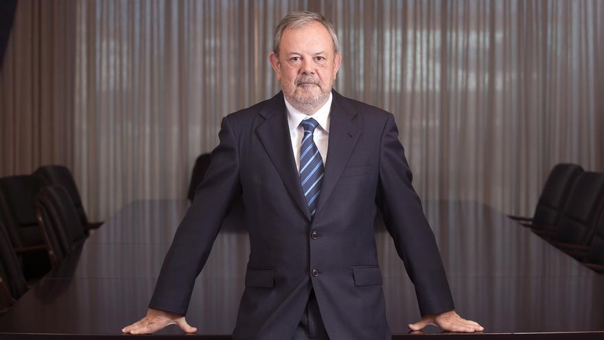 """Azpiazu insiste en que la transferencia de competencias """"estará sobre la mesa"""" en la reunión con Santamaría"""