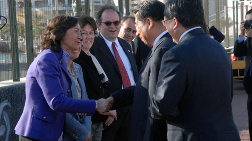 Sánchez-Simón (en el centro), durante la visita del viceprimer ministro chino a La Luz. (ACFI PRESS)