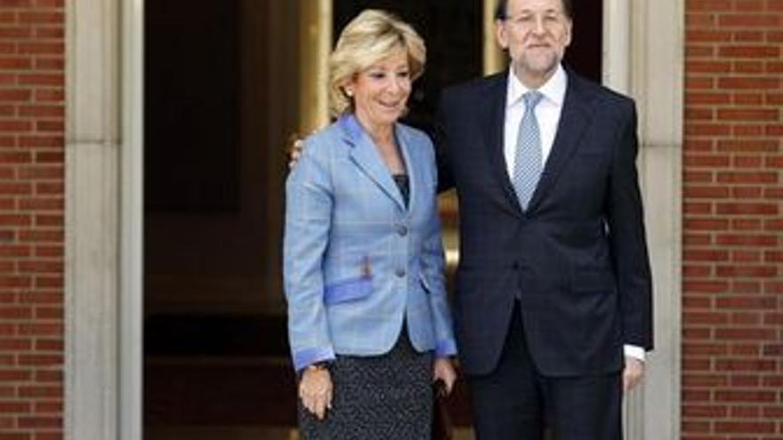 Esperanza Aguirre y Mariano Rajoy. (EUROPA PRESS)