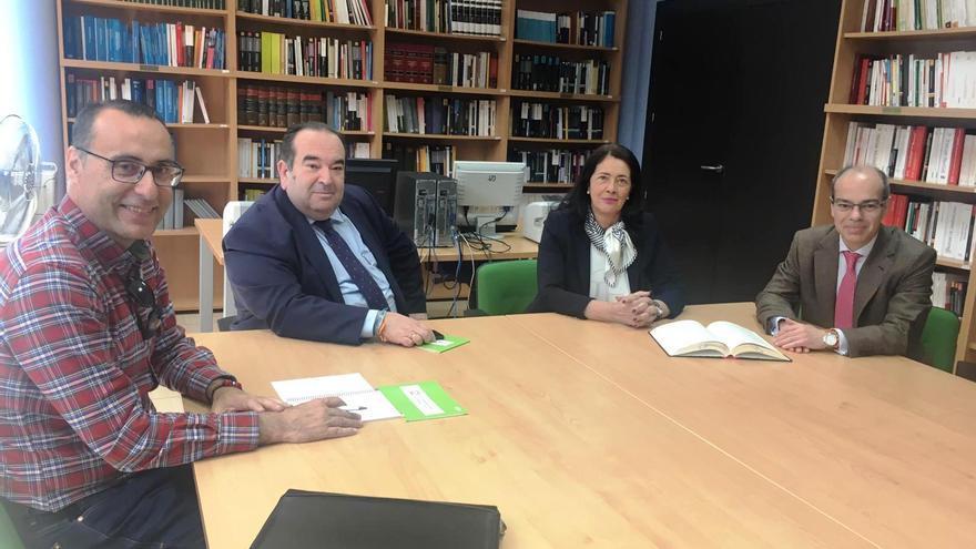 Candidatos de Vox, en un encuentro en el Colegio de Abogados de Guadalajara