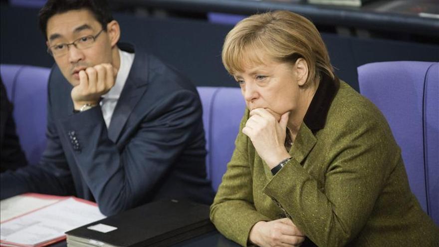 Merkel aboga por aplicar medidas puente hasta que las reformas tengan efecto