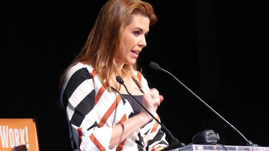 Clinton y la ex Miss Universo Alicia Machado dicen que Trump quiere infundir miedo a las mujeres