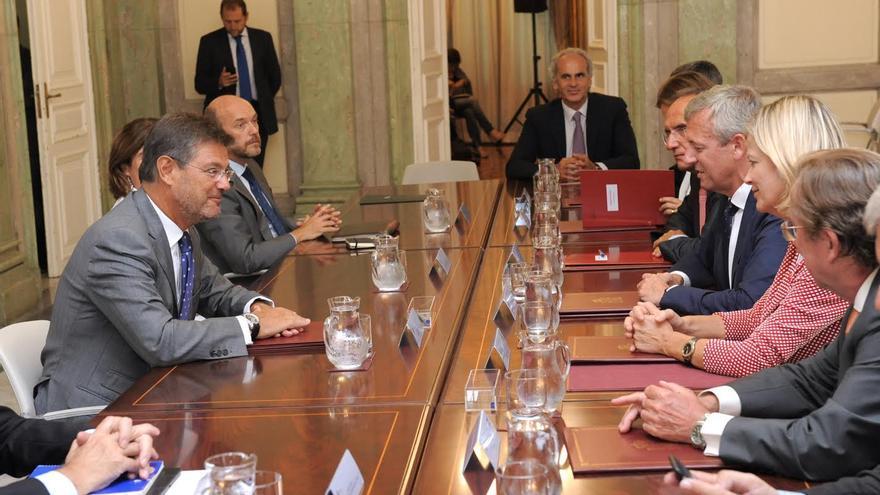 Firma del convenio de colaboración entre el Ministerio de Justicia y el Gobierno de Canarias.