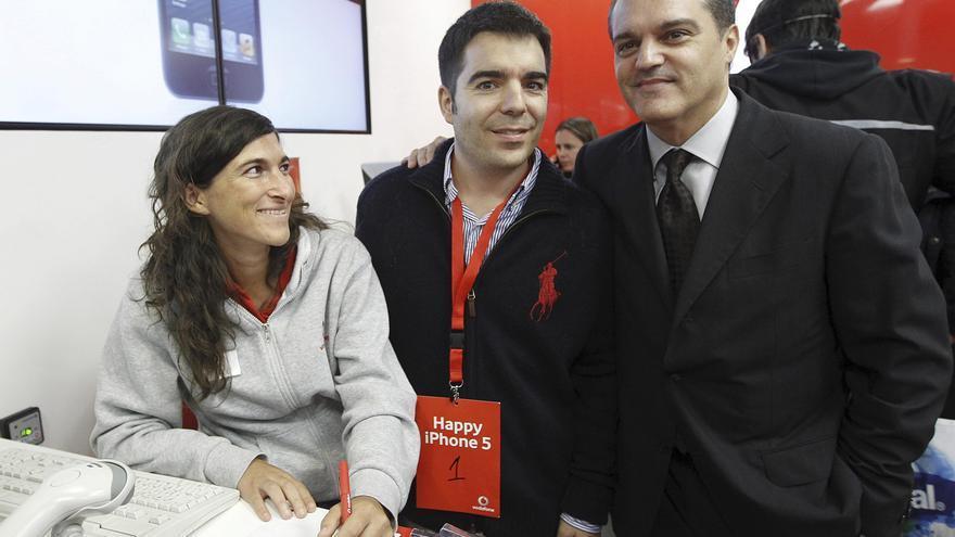 Vendidos los primeros iPhone 5 con Ramón García como maestro de ceremonias