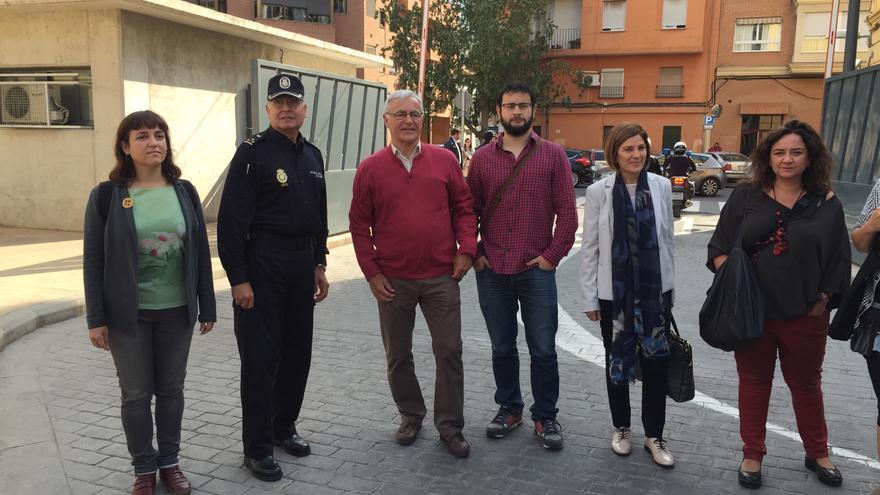 Los miembros del gobierno local que han visitado el CIE de Zapadores