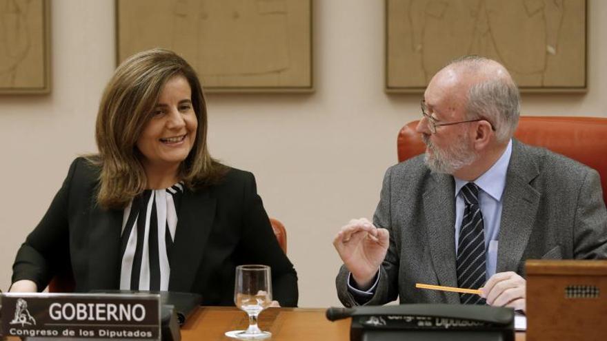 """Báñez asegura que """"en breve"""" se aprobarán incentivos para la garantía juvenil"""