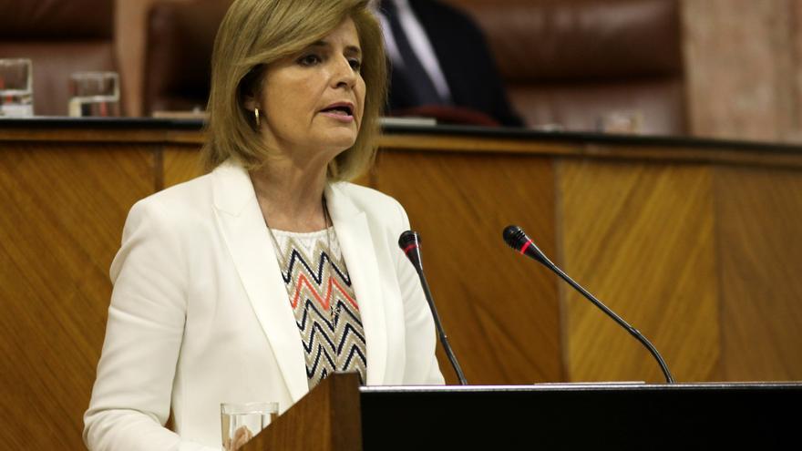 Oña acusó a la exconsejera Naranjo de enchufar a tres familiares, pero su partido admitió que fue un error.