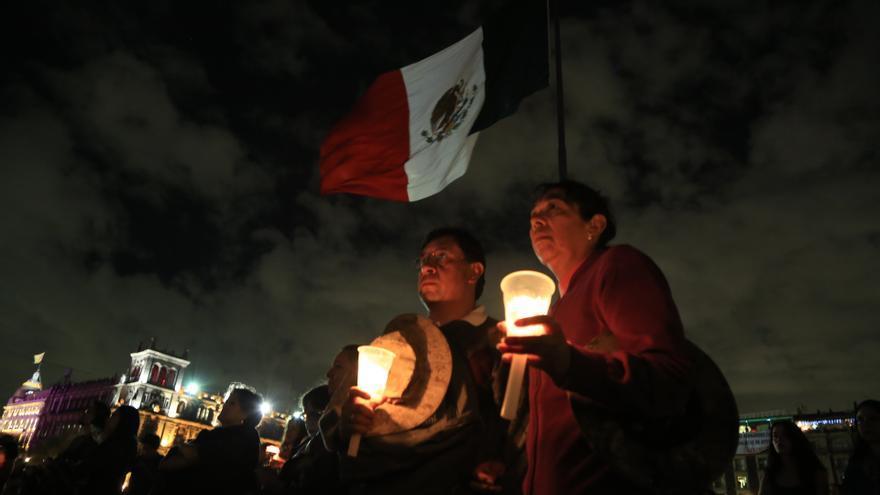 Estudiantes de Ayotzinapa manifestándose contra la desaparición de 43 estudiantes/ Rodrigo Hernández