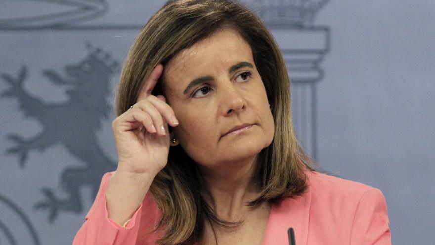 Báñez pide apoyo para convalidar la prorroga de ayuda de 400 euros a los parados