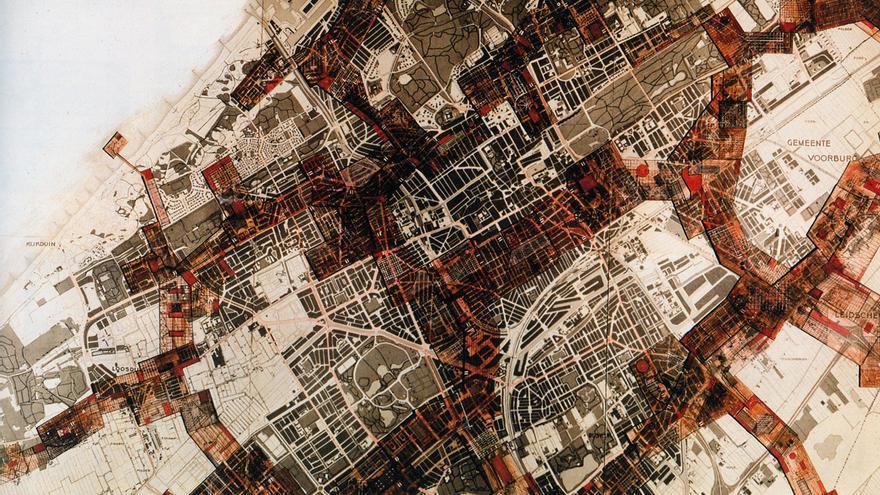 """Originalmente Dériville (de """"ville dérivée"""", ciudad a la deriva), New Babylon es una ciudad utópica, anticapilatista pensada Constant Nieuwenhuys (1959-74) para crear situaciones"""