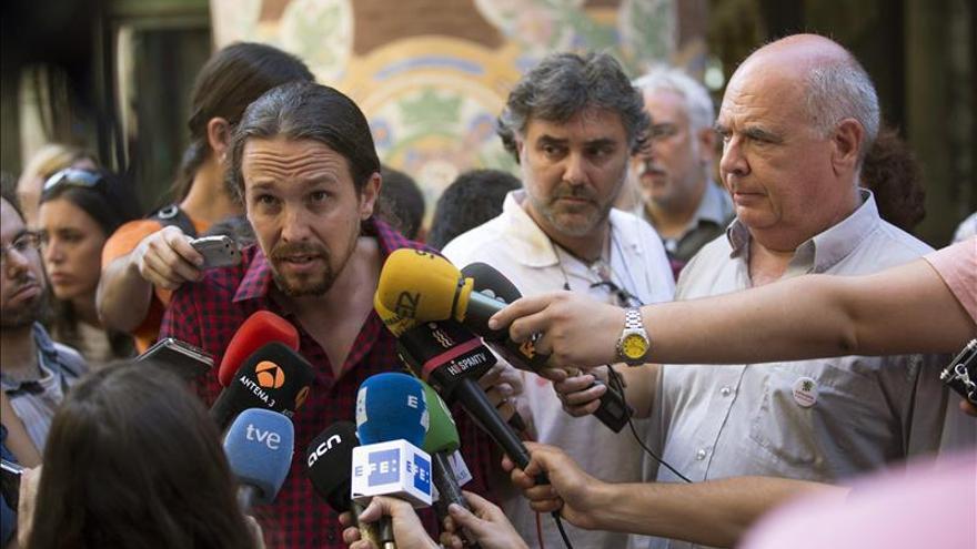 Pablo Iglesias pide a Mas que dé la cara y equipara la corrupción de CDC y PP