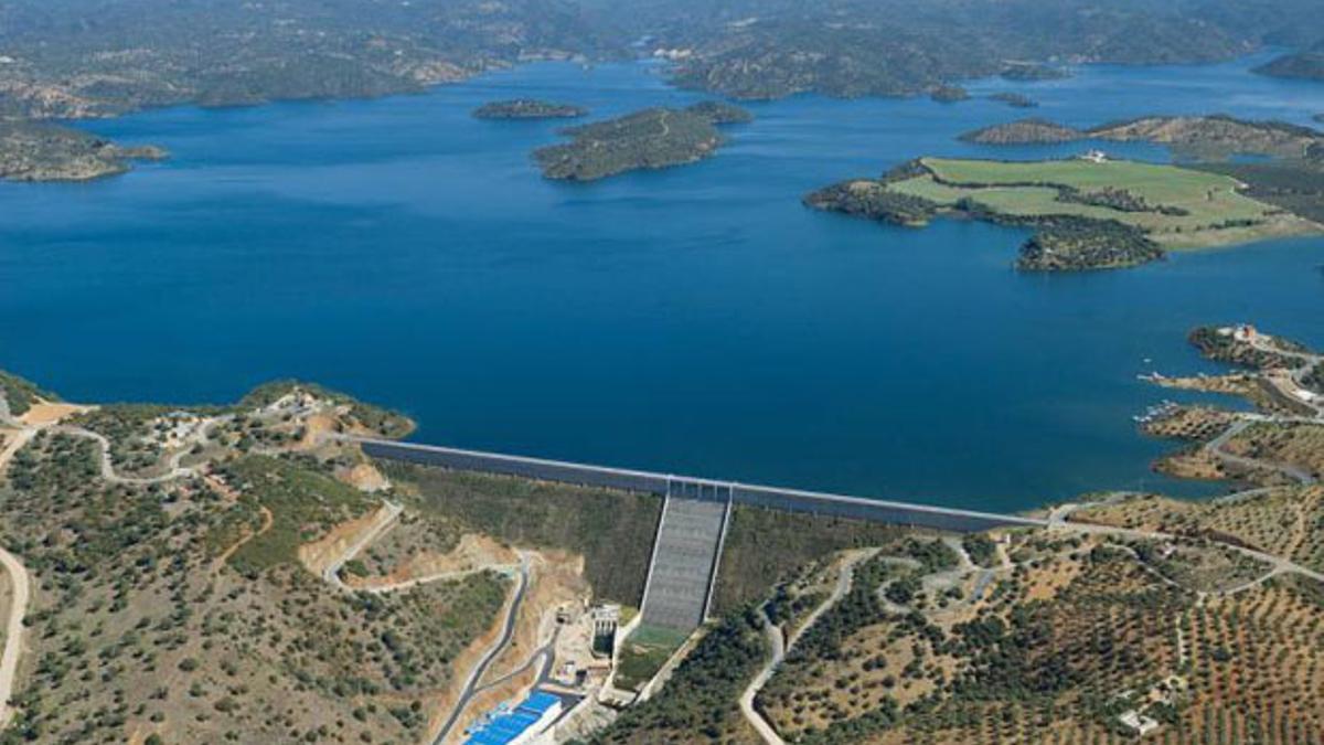 Vista aérea del embalse de La Breña II.