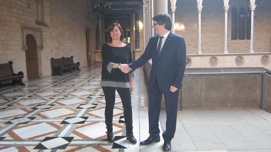 """Puigdemont avisa a la CUP de que no comparte su """"desobediencia"""" y que saben sus consecuencias"""