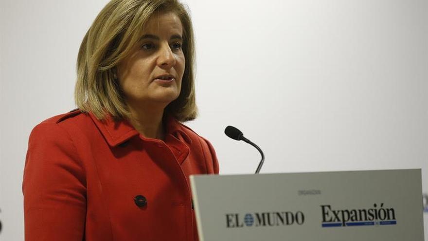 Báñez plantea hacer compatible el cobro del 100 % de la pensión con el empleo