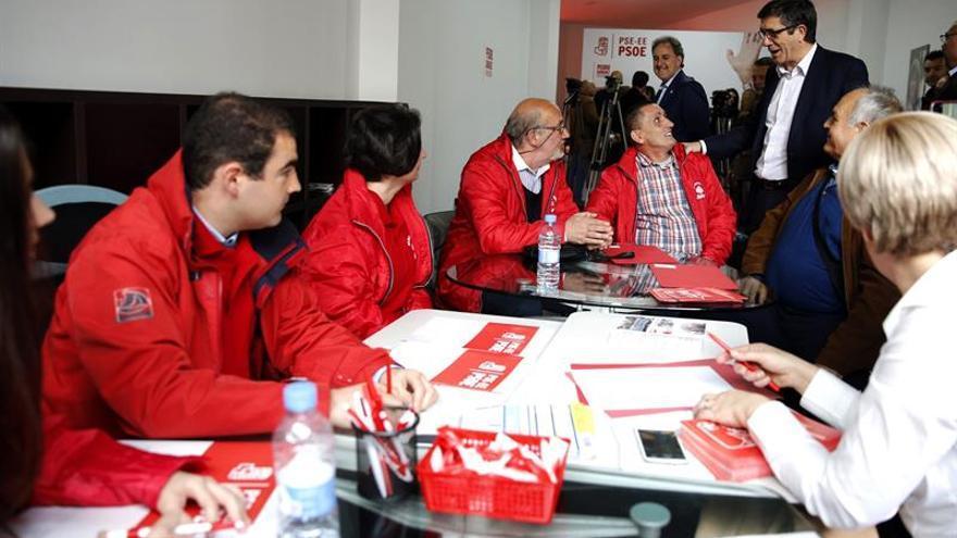 Patxi López pide a Maroto y Alonso que se apliquen lo que pedían a Barberá