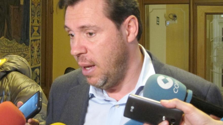 """Oscar Puente dice que la candidatura de Pedro Sánchez """"no renuncia a las alianzas con fuerzas de izquierdas"""""""