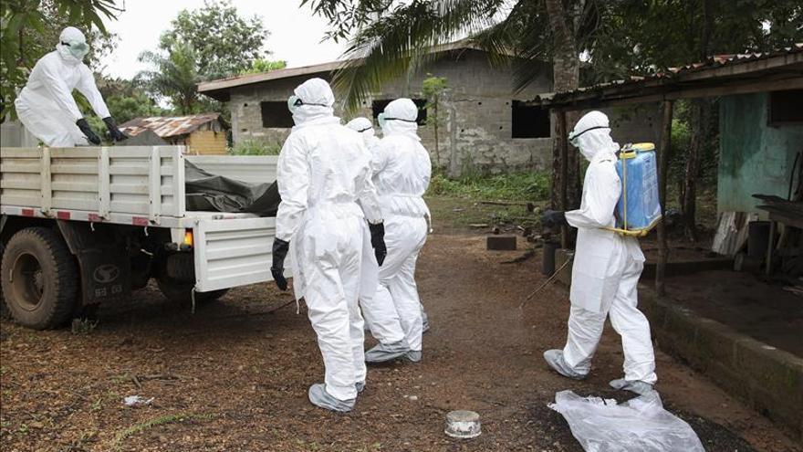 Llega a Liberia el suero experimental para tratar a los infectados de ébola