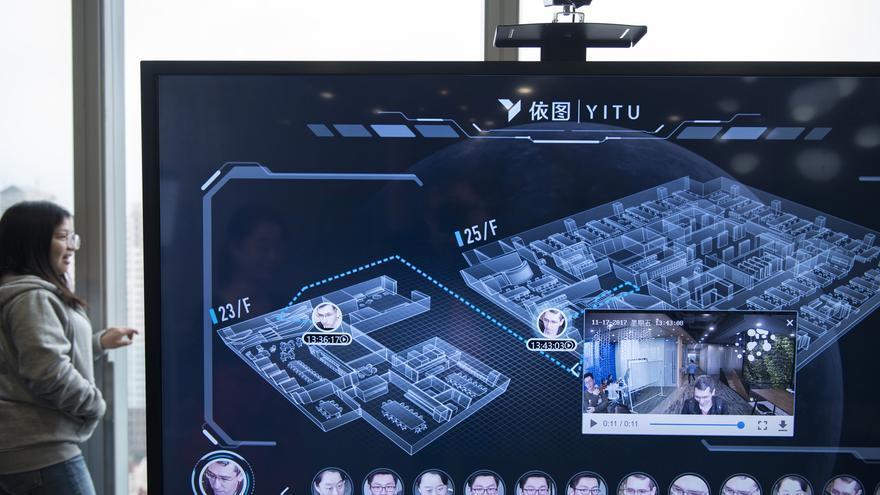 Programa de reconocimiento facial de Yitu, una de las empresas que desarrollan estos sistemas para el Gobierno chino.