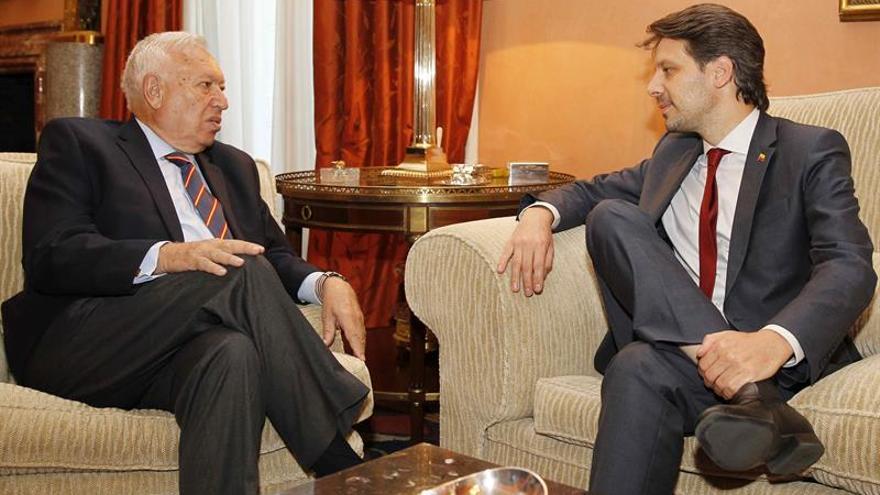 Margallo recuerda a catalu a que la pol tica exterior for Gobierno exterior
