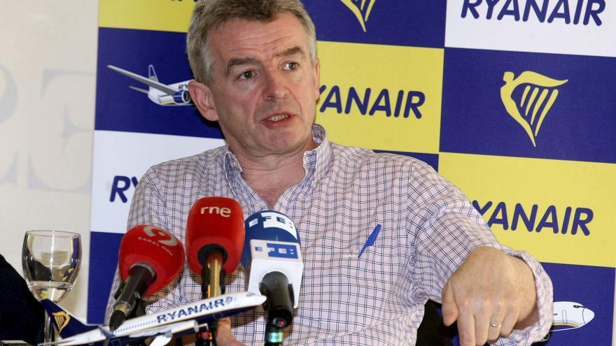 La asociación de aerolíneas dice que Fomento sí puede desautorizar vuelos