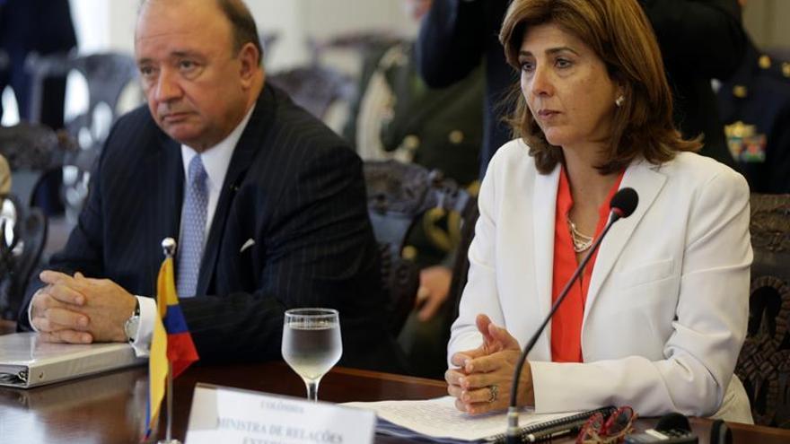 Ministros colombianos viajarán a Ecuador por el caso de los periodistas asesinados