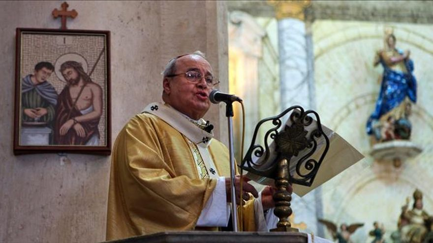 El cardenal cubano coloca la primera piedra de la parroquia dedicada a Juan Pablo II