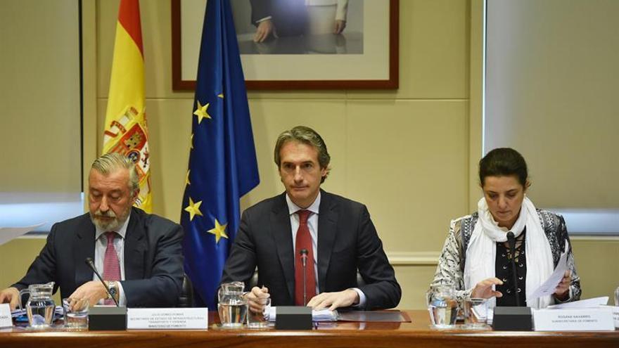 El ministro De la Serna se ofrece a mediar entre la patronal y los estibadores