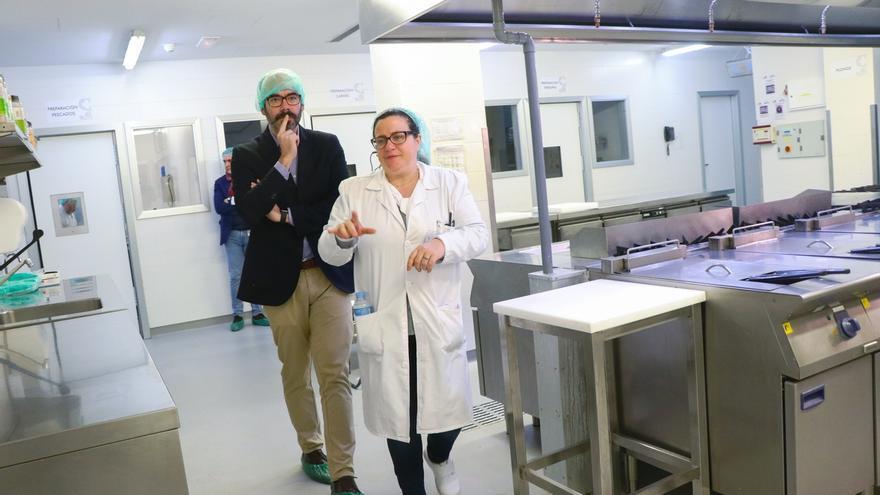 El Sescam convocará por primera vez en su historia oposiciones para pinches de cocina