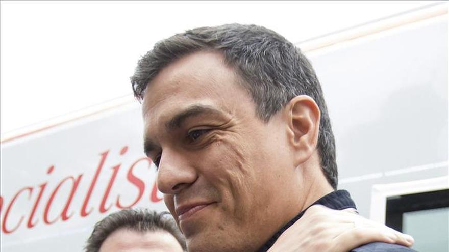 Pedro Sánchez invita a reescribir el 24M el pacto de generaciones que el PP quiere borrar