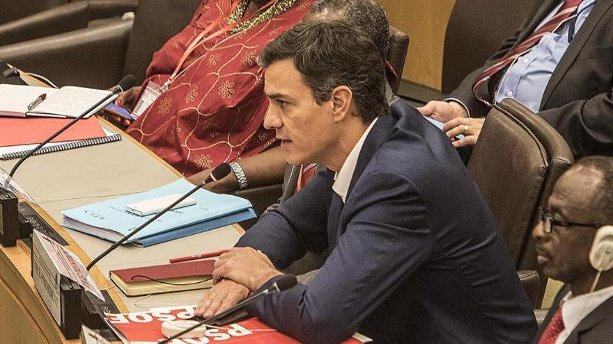 Sánchez pide a los socialistas unirse y apostar por una globalización justa