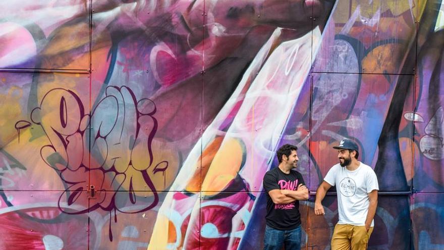 Los grafiteros valencianos Juan Antonio Sánchez (Pichi) y Álvaro Hernández (Avo)