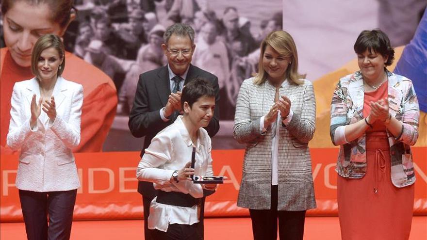"""La Reina recuerda la obligación de """"defender la dignidad"""" de los más vulnerables"""