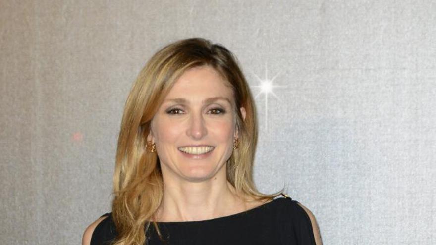 Gayet pide 54.000 euros a la revista que aireó su presunto amorío con Hollande