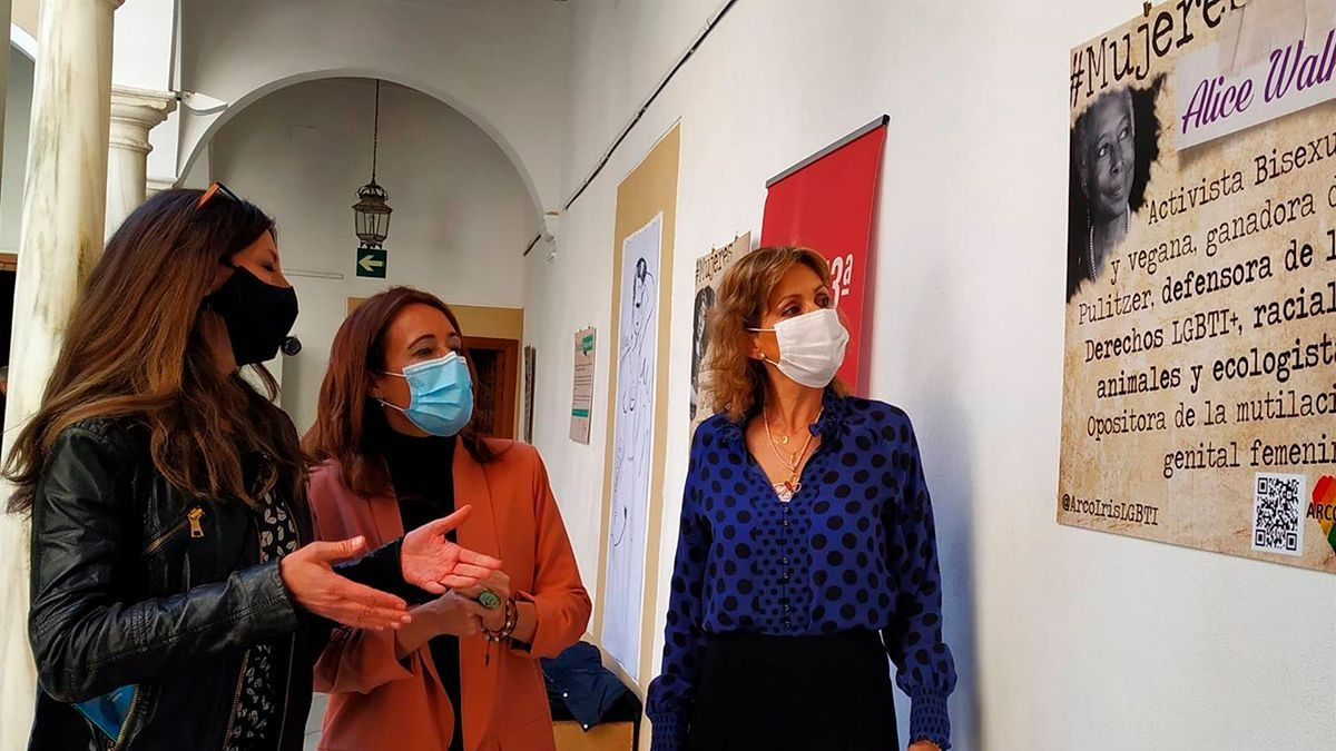 Jurado, Aguilar y Troncoso, en una exposición en la Escuela Superior de Arte Dramático.
