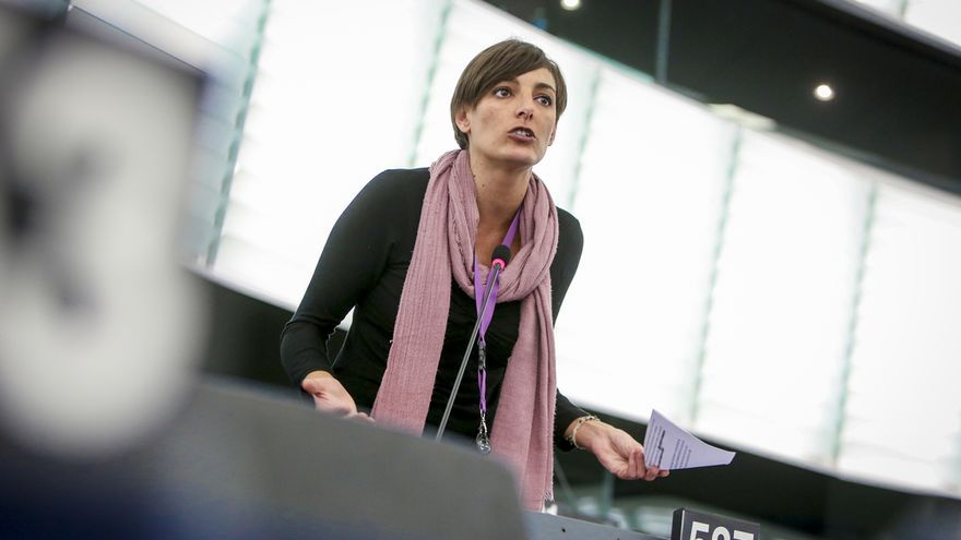 La eurodiputada de Podemos, Lola Sánchez, en el Parlamento Europeo.