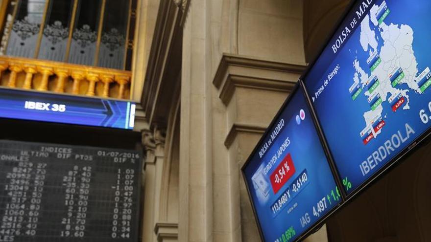 La prima de riesgo española sigue en 114 puntos y el bono cae al 1,109 %
