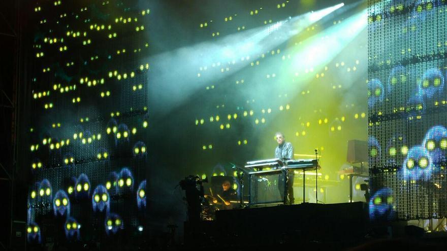 Jarre desplegó un universo sonoro y visual para inaugurar la programación del Año Jubilar Lebaniego.