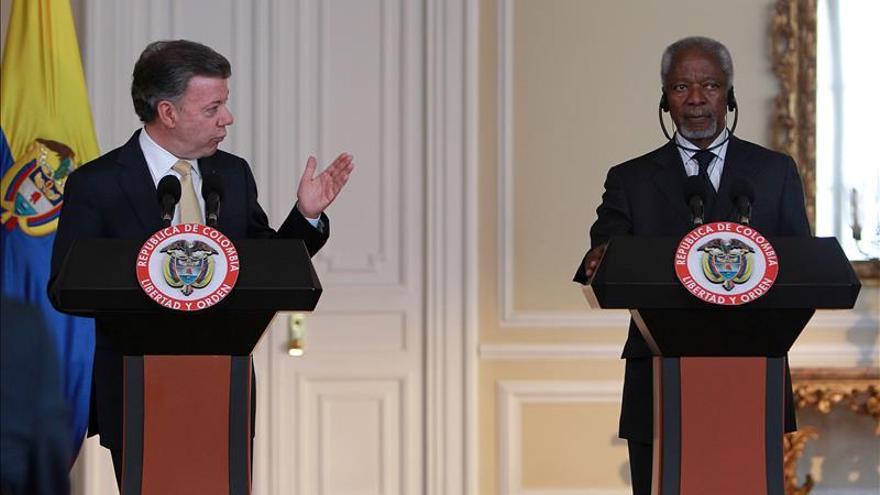Kofi Annan muestra su apoyo al proceso de paz de Colombia