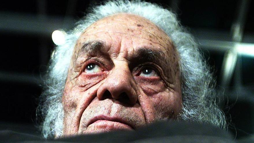 Nicanor Parra dijo en el 2000 que Dylan merecía el Nobel por tres versos