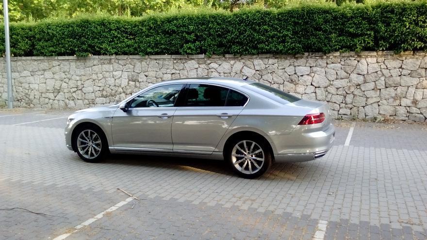 Volkswagen ha dotado al Passat GTE de rasgos de diseño característicos.