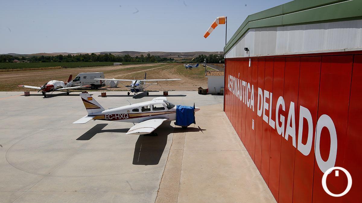 Aeródromo de Villarrubia gestionado por la empresa Aeronáutica Delgado