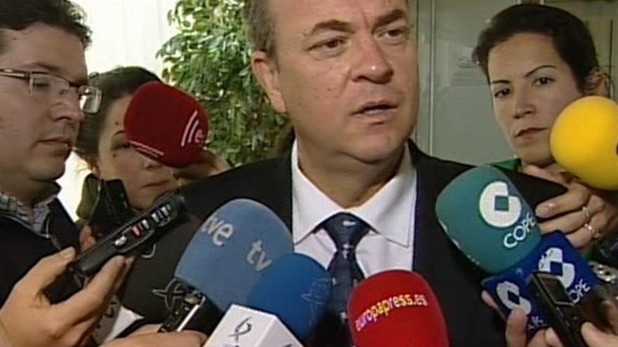 """Monago dice que es """"un día para aclarar cosas"""" ante la polémica sobre los sobresueldos en el PP"""