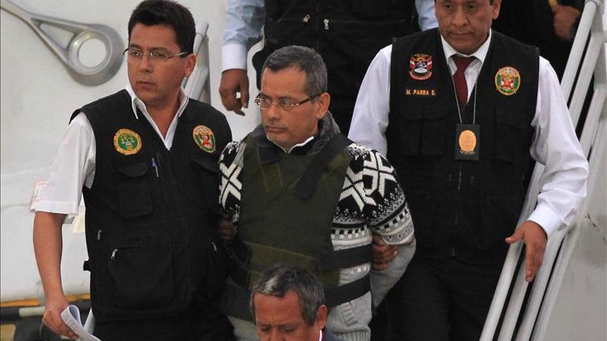 Peruano Orellana ingresa en prisión mientras se investiga su red delictiva