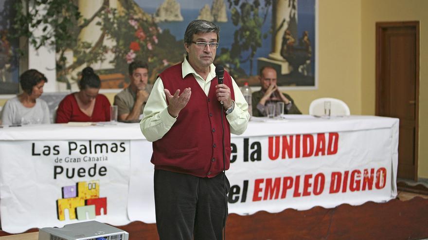Asamblea LPGC Puede en Lomo Los Fraile.  El líder de la formación, Javier Doreste, explica el programa de gobierno. (ALEJANDRO RAMOS)