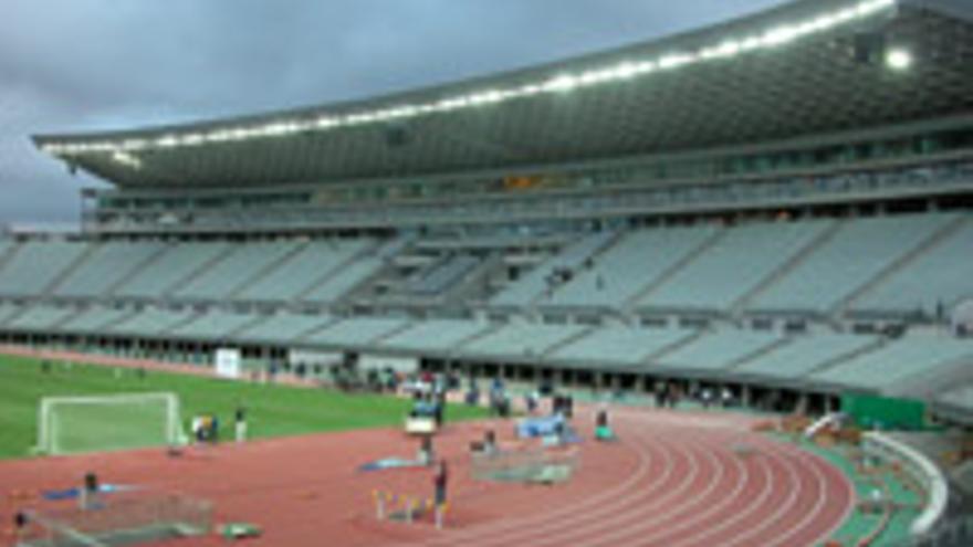 Estadio de Gran Canaria, todavía con sus pistas de atletismo.