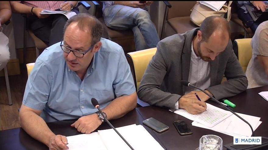 """PSOE reprocha al delegado de Seguridad de Madrid que no condecore a un agente que porque participó en su """"escrache"""""""