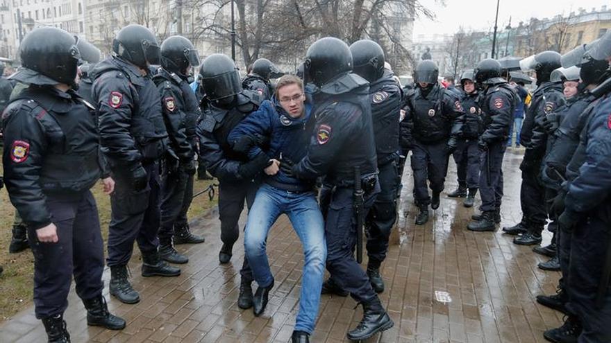 Más de cien detenidos en una protesta contra Putin en San Petersburgo
