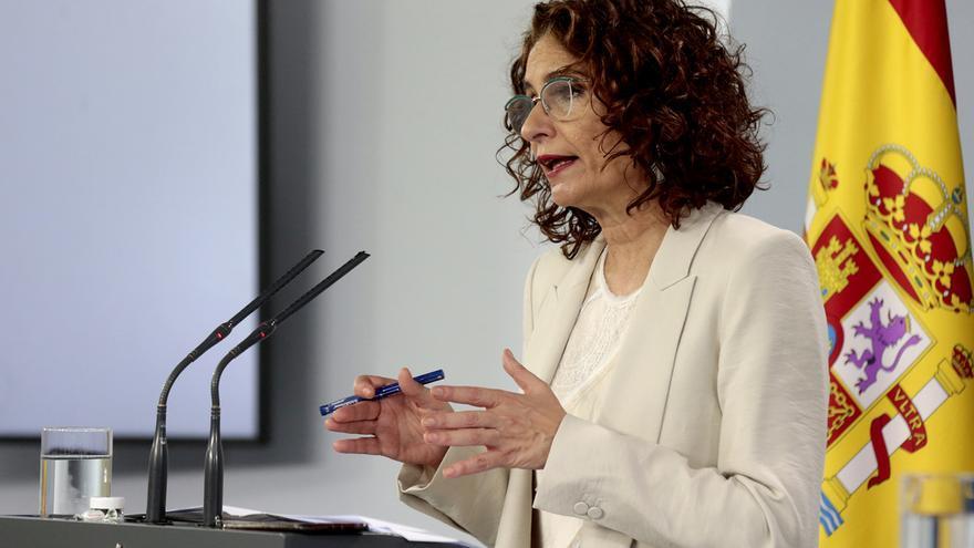 El PP pide reunir «de forma urgente» a la Comisión de Presupuestos para votar la comparecencia de Montero