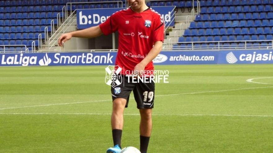 Samuel Shashoua durante un entrenamiento del CD Tenerife en el Heliodoro.